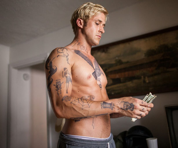ryan-gosling-shirtless-in-place-beyond-the-pines-exclusive-still-01-517df