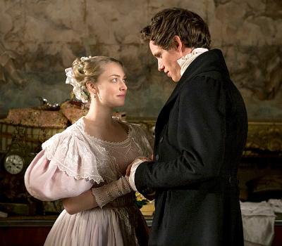 レ・ミゼラブル2012映画のコゼットとマリウス結婚式の画像