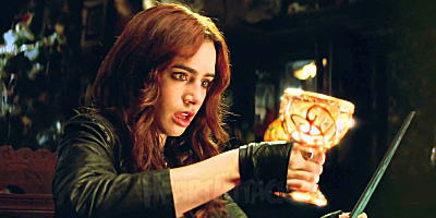 14021302_The_Mortal_Instruments_City_of_Bones_01s