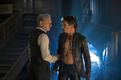 Jonathan Rhys Meyers;Jared Harris