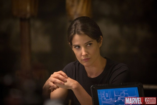 cobie-smulders-stars-as-agent-maria-hill-in-captain-america-the-winter-soldier-1c623
