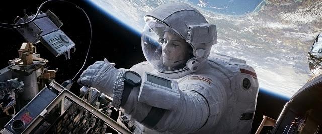 Gravity-Sandra_Bullock-George_Clooney-004