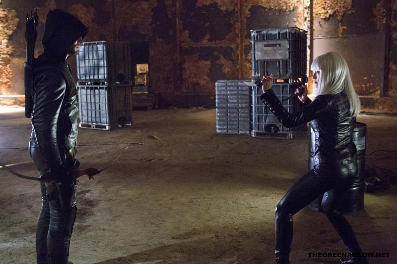 Arrow-Honor-Thy-Father-1x02-Episode-Still-004