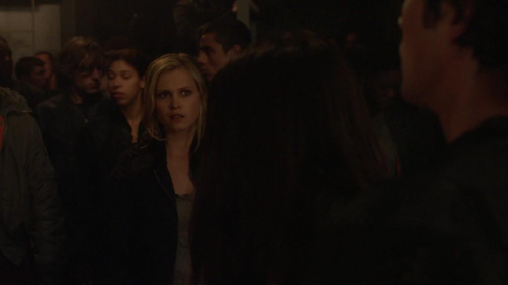 1x01-Pilot-bellamy-and-clarke-the-100-37232280-1916-1076