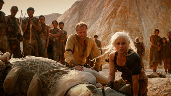 game-of-thrones-season-2-1-the-north-remembers-the-red-waste-desert-daenerys-targaryen-emilia-clarke-review-episode-guide-list