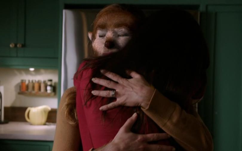 310-Juliette_and_Alicia_hug