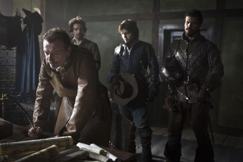 1-01-Friends-and-Enemies-Stills-porthos-the-musketeers-37662845-800-533