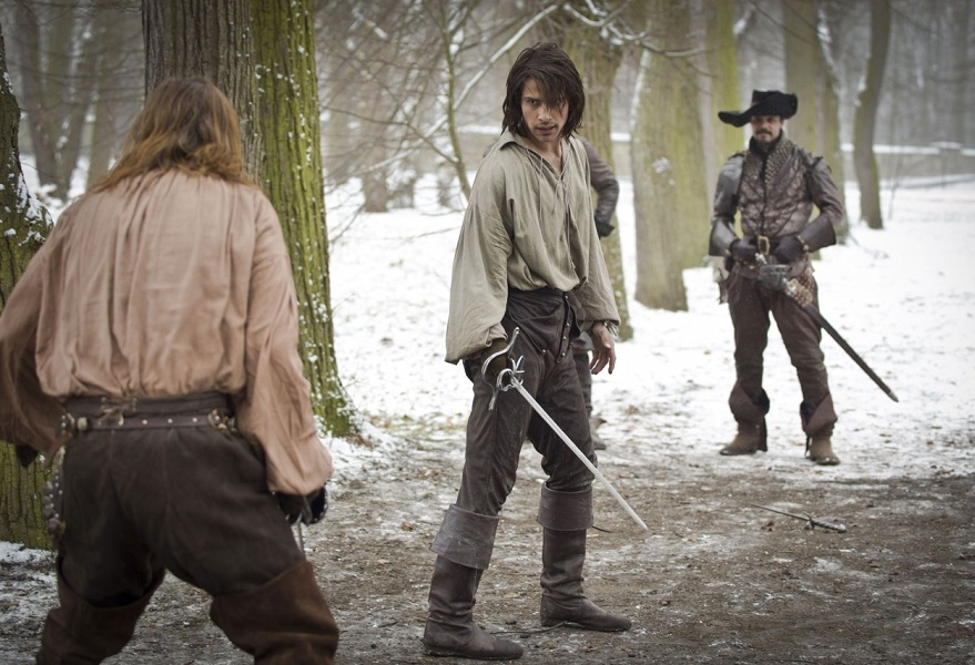 1-02-Sleight-of-Hand-Stills-porthos-the-musketeers-38586933-879-600