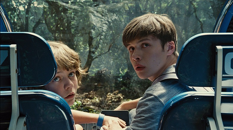 Jurassic-World-HD-Still-Ty-Simpkins-in-Ball