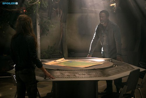 2x07-Long-Into-an-Abyss-Promotional-Stills-the-100-tv-show-37862427-500-334