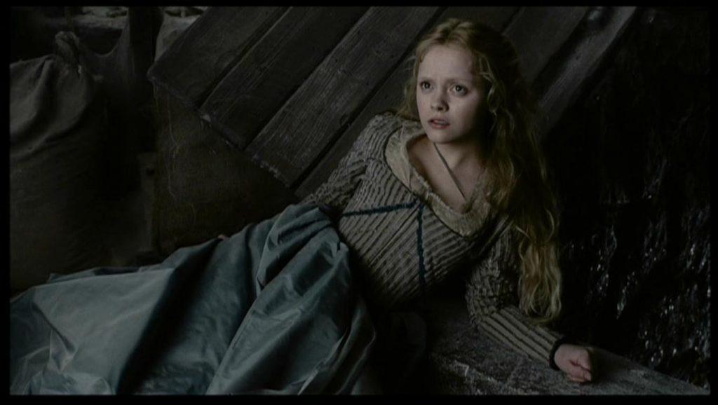 Christina-Ricci-as-Katrina-Van-Tassel-in-Sleepy-Hollow-christina-ricci-16850905-1360-768
