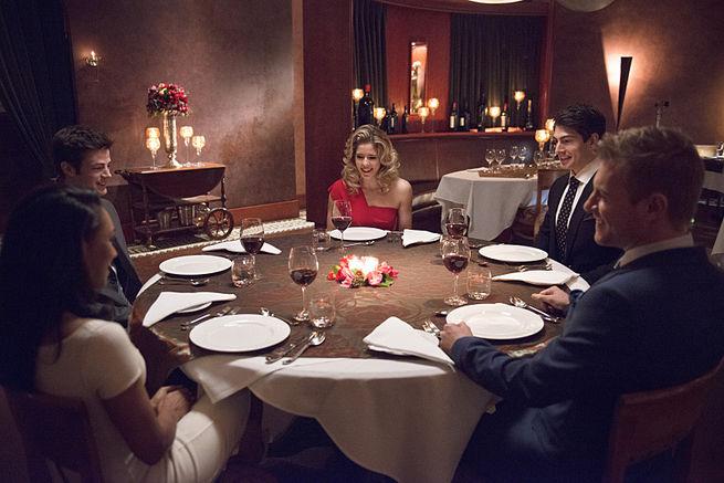 the-flash-all-star-team-up-dinner-2