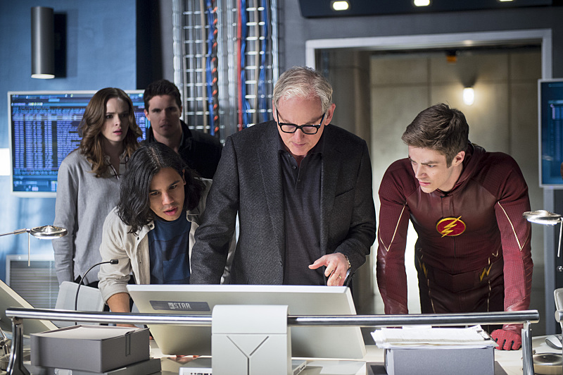 Ronnie_Raymond_Robbie_Amell_Caitlin_Snow_Danielle_Panabaker_Cisco_Ramon_Carlos_Valdes_Martin_Stein_Victor_Garber_and_Barry_Allen_Grant_Gustin