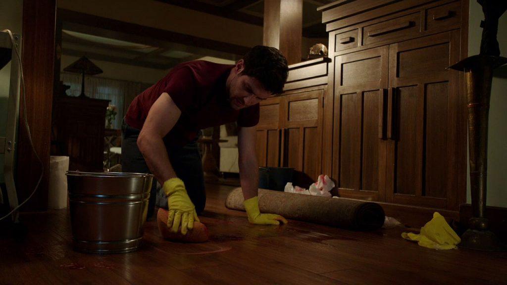 401-nick_scrubs_the_floor