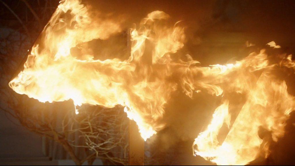 405-burning_wolfsangel